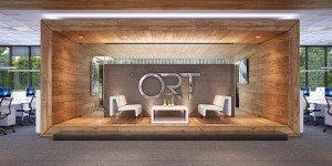 дизайн на зала за срещи в open space офис